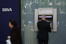 La banque espagnole BBVA est en discussions avancées avec Dogus Holding pour acquérir 14,89% de la banque turque Garanti et porter ainsi sa participation à 39,9%. /Photo d'archives/REUTERS/Susana Vera