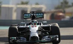 Mercedes Formula One driver Lewis Hamilton of Britain drives during the first practice session of the Abu Dhabi F1 Grand Prix at the Yas Marina circuit in Abu Dhabi November 21, 2014. REUTERS/Caren Firouz