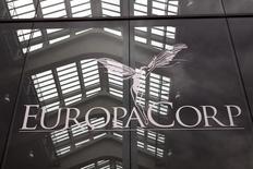 """EuropaCorp a fait état mercredi d'un net rebond de ses résultats pour son premier semestre 2014-2015, les comptes de la société de production fondée par Luc Besson ayant notamment profité de la sortie du film """"Lucy"""" et d'un effet de change favorable. /Photo d'archives/REUTERS/Charles Platiau"""