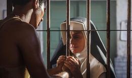"""Atriz Regina Braga em cena do filme """"Irmã Dulce"""". REUTERS/Divulgação/Ique Esteves"""