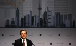 Mario Draghi, President of the European Central Bank (ECB) delivers his speech at the European Banking Congress in the Old Opera house in Frankfurt, November 21, 2014. REUTERS/Kai Pfaffenbach