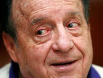 Foto de arquivo do comediante mexicano Roberto Gomez Bolaños, de 24 de maio de 2006.   REUTERS/Henry Romero