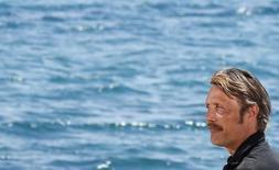 O ator Mads Mikkelsen concede entrevista coletiva durante o Festival de Cinema de Cannes, na França, em maio. 18/05/2014 REUTERS/Yves Herman