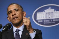 Президент США Барак Обама выступает с речью в Вашингтоне 3 декабря 2014 года. Барак Обама сказал, что быстрая консолидация власти в руках китайского председателя Си Цзиньпина вызывает опасения соседей и правозащитников, но Вашингтон строит взаимовыгодные отношения с Пекином, тогда как с российским лидером Владимиром Путиным всё гораздо сложнее. REUTERS/Jonathan Ernst