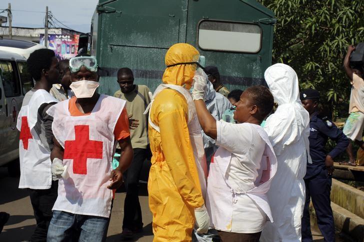 مصادر:وفاة طبيبين في سيراليون في يوم واحد بسبب فيروس الإيبولا