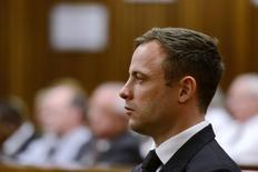Foto de arquivo de Oscar Pistorius em tribunal de Pretória. 21/10/2014 REUTERS/Herman Verwey/Pool