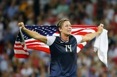 Abby Wambach of the U.S. celebrates after winning their women's soccer final gold medal match against Japan at Wembley Stadium during the London 2012 Olympic Games August 9, 2012.      REUTERS/Mike Blake
