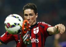 Atacante do Milan Fernando Torres, que vai voltar para o Atlético de Madri em janeiro. 26/10/2014 REUTERS/Stefano Rellandini