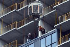 A condominium building is seen under construction in Toronto, March 10, 2014. REUTERS/Aaron Harris