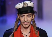 Foto de arquivo do estilista John Galliano em Paris. 01/10/2010 REUTERS/Benoit Tessier/Files