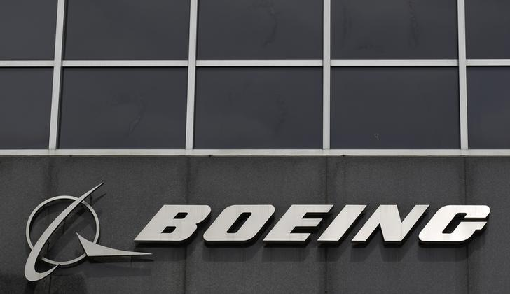 The Boeing logo is seen at their headquarters in Chicago, April 24, 2013. REUTERS/Jim Young/Files