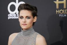 Actress Kristen Stewart arrives at the Hollywood Film Awards in Hollywood, California November 14, 2014.  REUTERS/Danny Moloshok