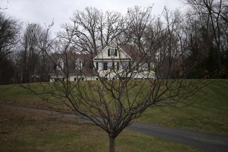 The house where Adam Lanza lived with his mother Nancy Lanza is seen in Newtown, Connecticut December 14, 2014. REUTERS/Adrees Latif