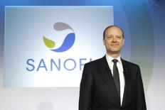Chris Viehbacher, CEO of Sanofi, poses during a news conference to present Sanofi 2011 annual results in Paris, February 8, 2012.    REUTERS/Benoit Tessier