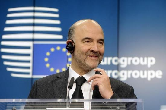 モスコビシ欧州委員、ECB国債買い入れは「ユーロ圏全体の利益」