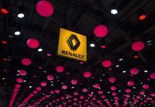 """Renault a annoncé lundi que son nouveau crossover compact, de la taille d'une Mégane, serait lancé sous le nom de Kadjar. Mélange de """"quad"""" et de """"jaillir"""" ou """"agile"""", cette appellation a été choisie pour sa sonorité et son orthographe exotique. L'attaque en """"K"""" évoque la robustesse, dit le constructeur. /Photo prise le 22 janvier 2015/  REUTERS/Yves Herman"""