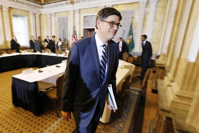 U.S. Treasury Secretary Jack Lew departs after a Financial Stability Oversight Council open meeting at the Treasury Department in Washington January 21, 2015. REUTERS/Jonathan Ernst