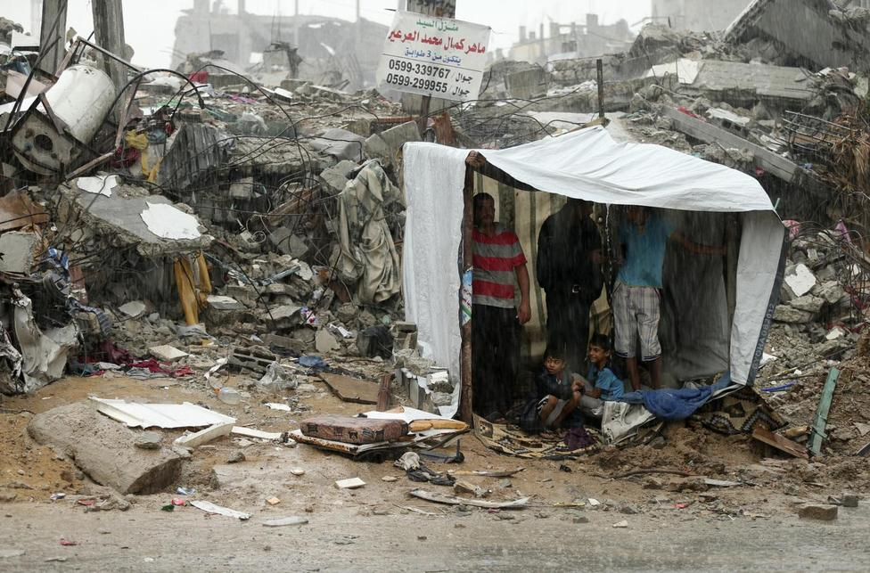 sugffering in GAza