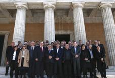 Le nouveau gouvernement grec (photo) va annuler le projet de privatisation de la compagnie de gaz publique DEPA et s'oppose à l'exploitation d'un gisement d'or par un groupe canadien, l'un des plus gros projets d'investissement étranger dans le pays, a déclaré vendredi à Reuters le ministre de l'Energie, Panagiotis Lafazanis. /Photo prise le 28 janvier 2015/REUTERS/Alkis Konstantinidis