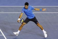 Novak Djokovic vence Stan Wawrinka no Aberto da Austrália, Melbourne. 30/1/2015 REUTERS/Brandon Malone