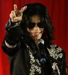 Foto de arquivo do cantor norte-americano  Michael Jackson durante entrevista coletiva em Londres. 05/05/2009 REUTERS/Stefan Wermuth