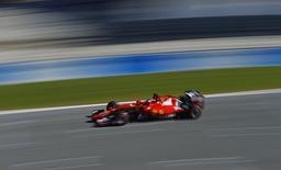 Kimi Raikkonen, da Ferrari, pilota durante testes de pré-temporada em Jerez de la Frontera, no sul da Espanha. 04/02/2015 REUTERS/Marcelo del Pozo
