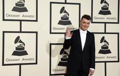 El cantante Sam Smith llega a la ceremonia de premiación de los Grammy en Los Angeles, California. Febrero 8, 2015.  REUTERS/Mario Anzuoni