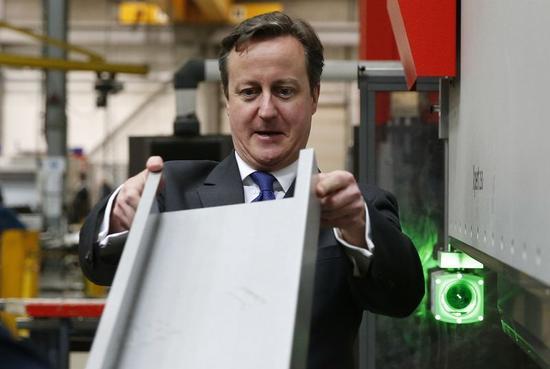 英国のキャメロン首相が企業に賃上げ要請へ、総選挙控えて
