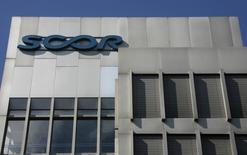Scor annonce avoir enregistré une croissance des primes de 2,4% à taux de change constants lors des renouvellements de ses contrats de réassurance au 1er janvier 2015. /Photo d'archives/REUTERS/ Christian Hartmann