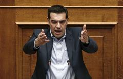 Premiê grego Tsipras faz discurso ao Parlamento. 10/02/2015.  REUTERS/Alkis Konstantinidis