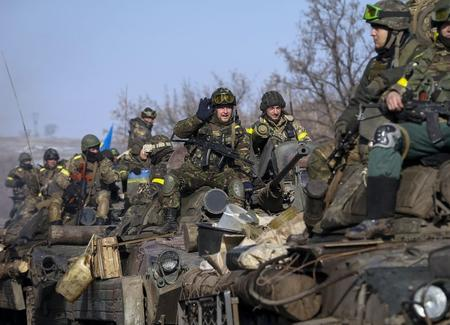 عالمي: مقتل جنود أوكرانيين خلال ساعة اتفاق سلام ?m=02&d=20150213