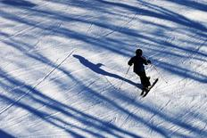 A skier makes their way down a slide at Sunday River Ski Resort in Newry, Maine December 7, 2014.   REUTERS/Brian Snyder
