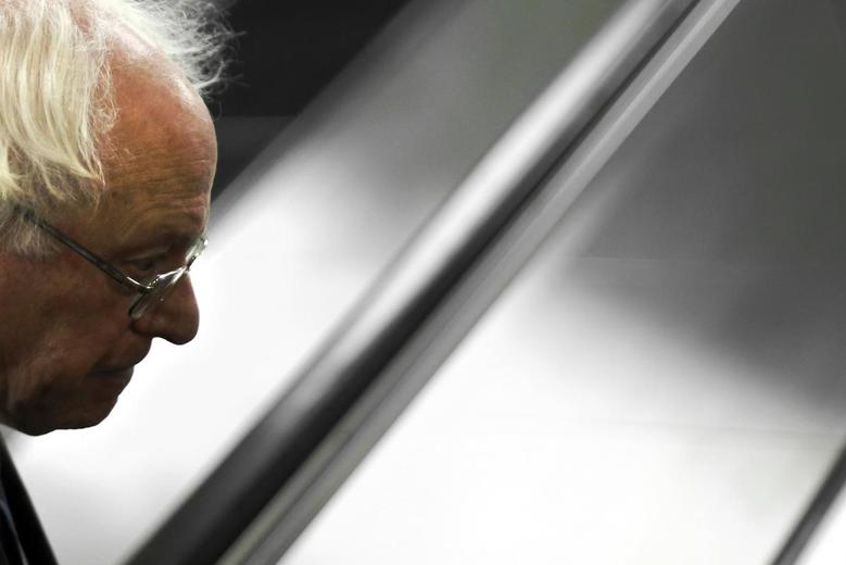 U.S. Senator Bernie Sanders (I-VT) arrives for the weekly Senate Democratic caucus luncheon at the U.S. Capitol in Washington February 10, 2015. REUTERS/Jonathan Ernst