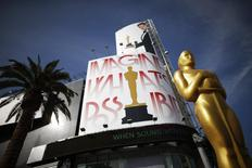An Oscar statue is seen outside the Dolby Theater during preparations ahead of the 87th Academy Awards in Hollywood, California February 20, 2015. REUTERS/Lucy Nicholson