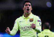 Luis Suárez, do Barcrelona, comemora gol marcado contra o Manchester City pela Liga dos Campeões em Manchester. 24/02/2015 Reuters / Lee Smith
