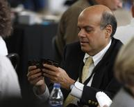 Ajit Jain, who runs some of Berkshire's insurance operations, plays a game of bridge during Berkshire Hathaway Shareholders annual meeting in Omaha, Nebraska May 3, 2009. REUTERS/Carlos Barria