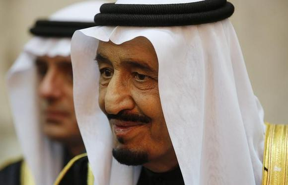 Saudi king keeps close hand on oil in remodelling strategic team thumbnail