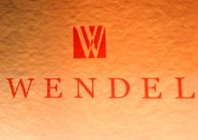 La société d'investissement Wendel a cédé 48 millions d'actions qu'elle détenait dans Bureau Veritas, soit 10,9% du capital, pour près d'un milliard d'euros. /Photo d'archives/REUTERS/Benoît Tessier