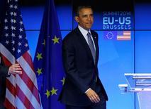 En esta imagen de archivo, el presidente de EEUU, Barack Obama, participa en una cumbre UE-EEUU en Bruselas el 26 de marzo de 2014.  El déficit comercial de Estados Unidos disminuyó a 41.800 millones de dólares en enero desde una cifra revisada de 45.600 millones de dólares en diciembre, dijo el viernes el Departamento de Comercio. REUTERS/Yves Herman