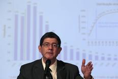O ministro da Fazenda, Joaquim Levy, fala durante coletiva de imprensa em Brasília. 27/02/2015 REUTERS/Ueslei Marcelino