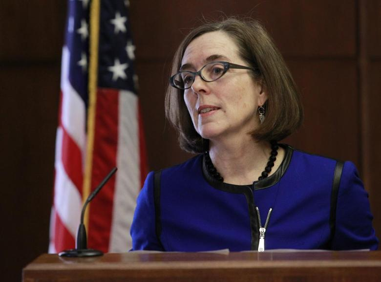Oregon Governor Kate Brown speaks at the state capital building in Salem, Oregon, February 20, 2015. REUTERS/Steve Dipaola