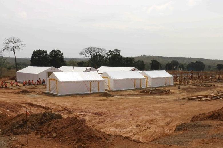 A Ebola treatment center is pictured in Beyla, Guinea, November 25, 2014. REUTERS/Fabien Offner