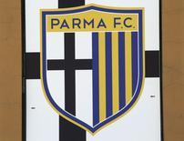 Logo do Parma na entrada do estádio Ennio Tardini, em Parma.  06/03/2015    REUTERS/Stefano Rellandini