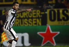 Tevez comemora gol da Juventus contra o Borussia Dortmund. 18/03/2015. REUTERS/Ina Fassbender