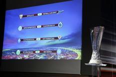 Tabela de jogos da Liga Europa na sede da UEFA, em Nyon, na Suíça.  20/03/2015  REUTERS/Pierre Albouy