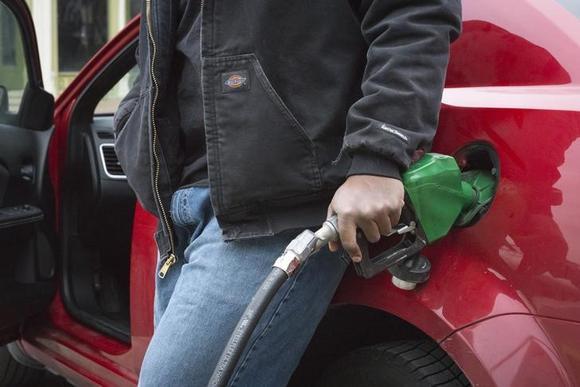 Record traffic is boosting U.S. fuel demand thumbnail