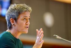 La commissaire européenne à la Concurrence Margrethe Vestager a annoncé que la Commission européenne avait l'intention d'ouvrir une enquête approfondie sur le commerce électronique, dans le cadre de sa politique visant à faire tomber les barrières commerciales et à favoriser les échanges transfrontaliers au sein de l'Europe. /Photo d'archives/REUTERS/Eric Vidal