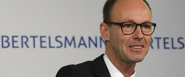 Thomas Rabe, président du directoire de Bertelsmann, estime que le géant allemand des médias pourrait dégager un résultat record en 2015. Le groupe affiche une hausse de 2,7% de son excédent brut d'exploitation au titre de 2014. /Photo d'archives/REUTERS/Tobias Schwarz