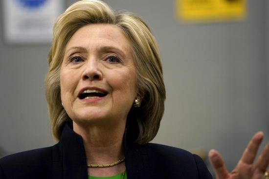 クリントン氏がヘッジファンド批判、激戦州で中間層支援を強調