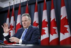 Bank of Canada Governor Stephen Poloz speaks during a news conference upon the release of the Monetary Policy Report in Ottawa April 15, 2015. REUTERS/Chris Wattie